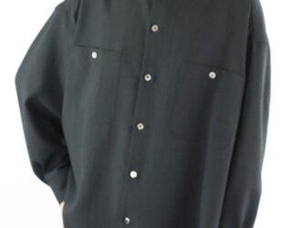 男女兼用 スタンドカラー オーバーサイズシャツ 黒の画像