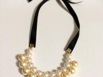 Pearl pearl pearl ネックレスの画像