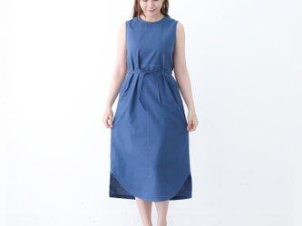 【ネット限定】 リネン&コットン 裾がカーブになったノースリーブ ドレス ワンピース 半袖 麻 ブルーの画像