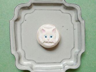 猫ねこブローチ16(白猫) せきそ粘土の画像