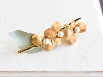 挟むだけ!ヴィンテージな真鍮のお花 パール/ヘアクリップの画像