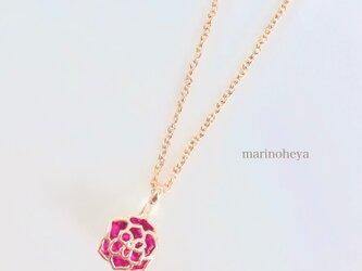 薔薇ネックレスの画像
