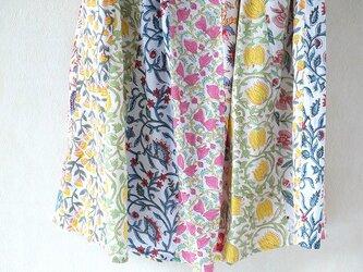 にぎやかな花畑~更紗の接ぎ合せフレアスカートの画像