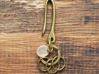 真鍮と栃木レザーで仕上げたフック型のキーホルダー 二重リング3個付き アンティーク キーリング JAK038の画像
