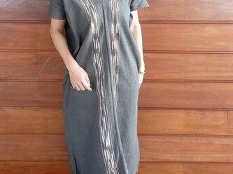 タイ・カレン族の草木染め & 手織り ワンピース / 藍グレー / 絣染め ikat / コットンの画像