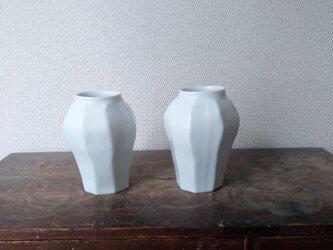白磁 面取り 壺の画像