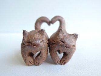 ハートちび猫=^人^=こげ茶猫1の画像
