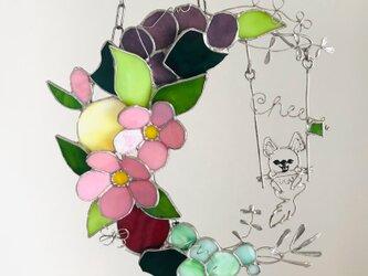 ステンドグラス フルーツフラワームーンの壁掛け チワワの画像