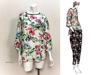 【1点もの・デザイン画付き】花柄ゆったり着物袖トップス(KOJI TOYODA)の画像