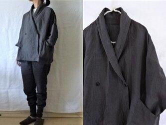 【受注制作】濃チャコールグレー/薄手天日干し60リネン ローブシャツコート(ハーフ)の画像