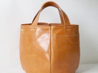 イタリア革のカゴ型バッグ(サビア、生成り〜キャメル)の画像