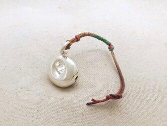 銀製の鈴 『 chubbyな月 』 (シルバー925) バッグチャーム・帯飾りの画像