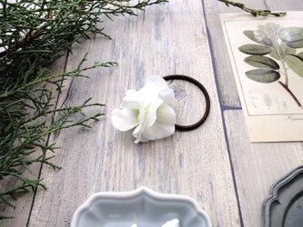 ヘアゴム ■ 濃密に花開く 紫陽花 ■#1 クリームグリーンの画像
