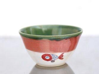 織部釉と赤釉と金魚絵のの茶碗(青)の画像