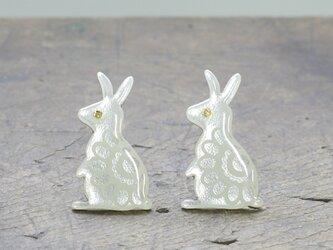 七宝焼 ピンズ 花柄ウサギ(シルバー)の画像