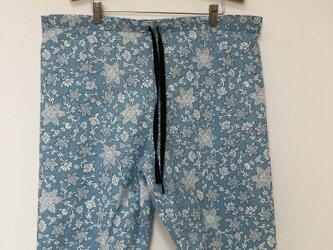 Blue flower ハーフパンツの画像