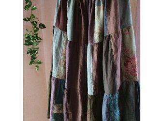 soldリネンアースカラー♥絵画なパッチワークボリュームティアードロングスカート ウエストゴムの画像
