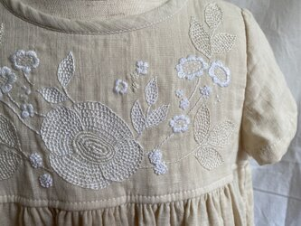 size100㎝ 刺繍チュニックワンピース 白い刺繍 の画像