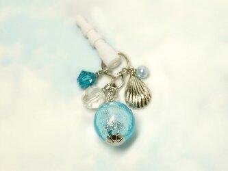 とんぼ玉と貝殻チャームのイヤホンジャックの画像