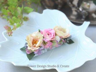 ピンクの薔薇と粒パールのバレッタ 髪飾り バレッタ  入学式 卒業式 結婚式 フォーマルの画像