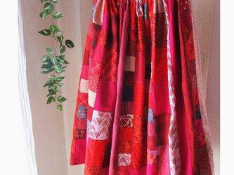 絵画なパッチワーク dark red ふんわりギャザースカート ロングマキシ丈 ウエストゴムの画像