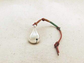 銀製の鈴 『 雫 』 (シルバー925) 根付・帯留飾りの画像