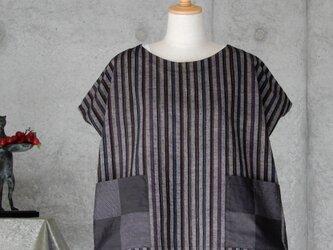 着物リメイク 紬のTブラウス/フリーサイズの画像