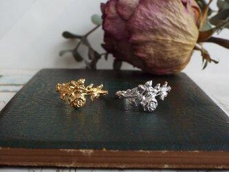 バラの花束のリングの画像
