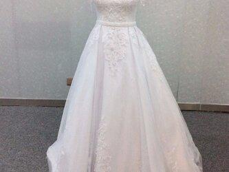 半額セール中!高品質! 豪華! ウェディングドレス オフショルダー プリンセスライン 上品レース 華やかなトレーンの画像