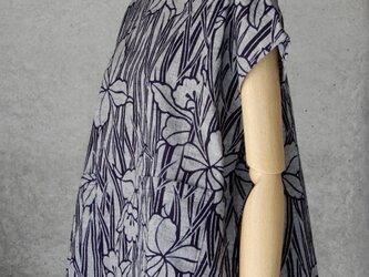 着物リメイク 綿紬のTブラウス/M   Aラインの画像