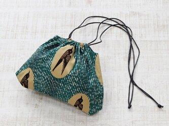 ツバメ柄の巾着ショルダー アフリカンプリント / 鳥 / 巾着の画像