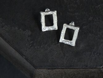 Picture frame ピアス - SILVERの画像