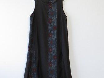 *アンティーク着物*花縞模様泥大島紬のワンピース(Lサイズ・5マルキ)の画像