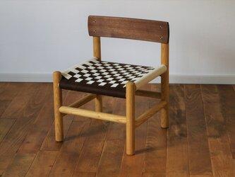 木の子供椅子:ツートンカラーの画像