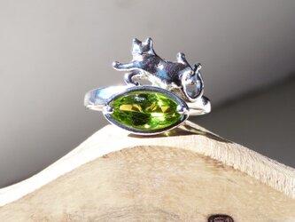 ペリドットと猫 リング * Peridot & Cat Ringの画像