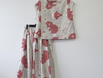 *アンティーク着物*花模様白大島紬のセットアップ(Lサイズ・5マルキ・裏地付き)の画像