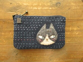 ハチワレ猫の浅型カードケースの画像
