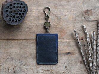 藍染革[migaki]リール付ICカード・パスケース【墨藍×藍】の画像