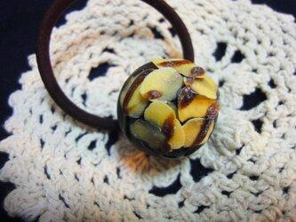 チョコレートヘアゴム(スライスアーモンド)の画像