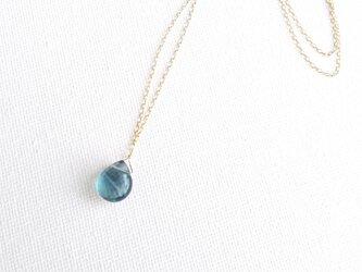 フローライトの一滴ネックレス 群青の画像