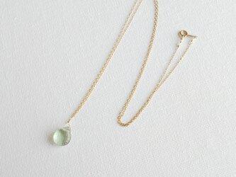 フローライトの一滴ネックレス 黄緑の画像