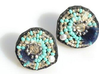 【spiral earring】ターコイズブルー×シルバーの画像