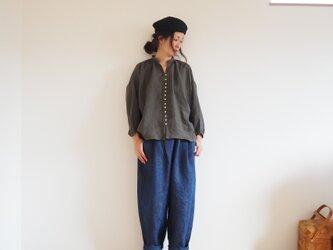 Linen viyella button gather blouse BROWNの画像