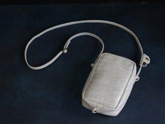 ITALYクロコ縦長MINIポシェット◎内装キーホルダー付き:ポケット機能充実しています。の画像