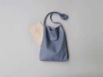 程よい袋 BLUE GRAY(羊革)の画像