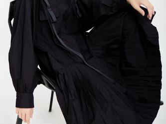 女性の秋の服、新しいニッチなデザインのミドル丈のスタンドアップカラーと長袖のドレスのトレンドの画像