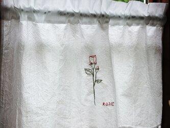 ホワイトコットン♪薔薇の刺繍カフェカーテン 55cm×38cmの画像