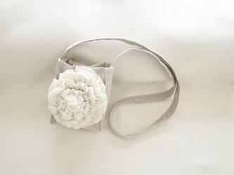 花のミニショルダーバッグ・生成の画像