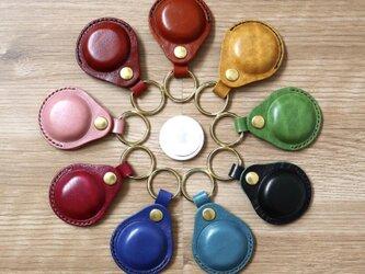 金具が当たらない 「革の宝石」ルガトーのAirTagケースキーホルダーの画像