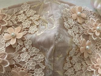 不織布が見えるマスクカバー金刺繍花柄ピンクフラワレースパール抗菌クレンゼ2waの画像